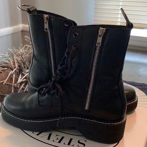 NWOB Steve Madden Black Leather Zipper Boots